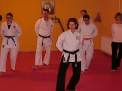 Yvonne Kehl führt in die Techniken des Qi Gong ein