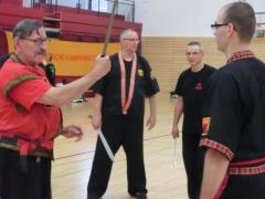 Hans-D.Rauscher und Tobias Kompalla beim Schwertkampf